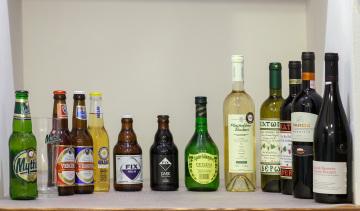 dalla birra Mythos al vino da tavola Retsina