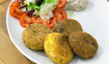 Polpette vegetariane: polpette con melanzane o patate o zucchine.