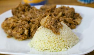 Hirino Lemonato: spezzatino di carne di maiale al limone,